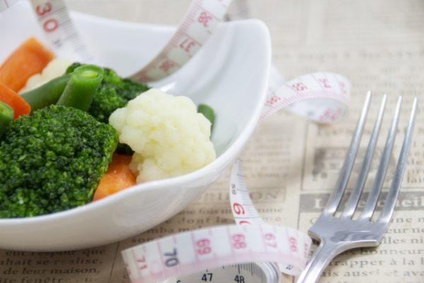 ダイエット,食べない,食事抜き